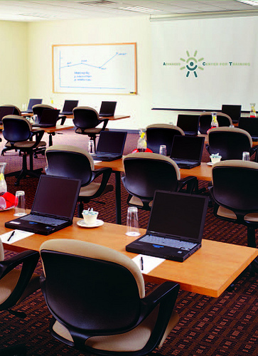Corporate application training by Flickr user DiscoverDuPage, CC licensed