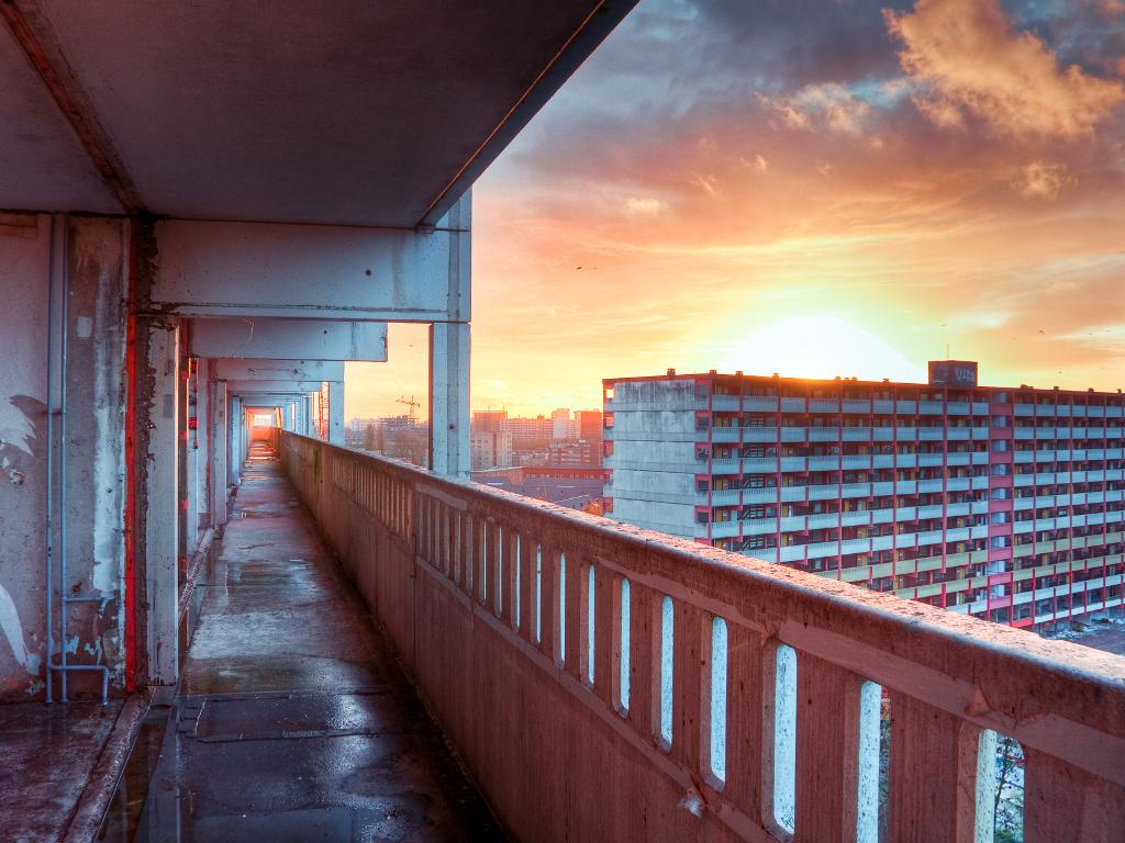 Flats in de Bijlmer (Flickr gebruiker: Arden, CC BY-SA 2.0)